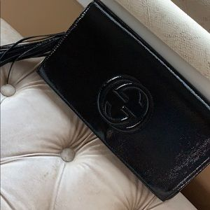 Authentic Gucci soho patent leather clutch